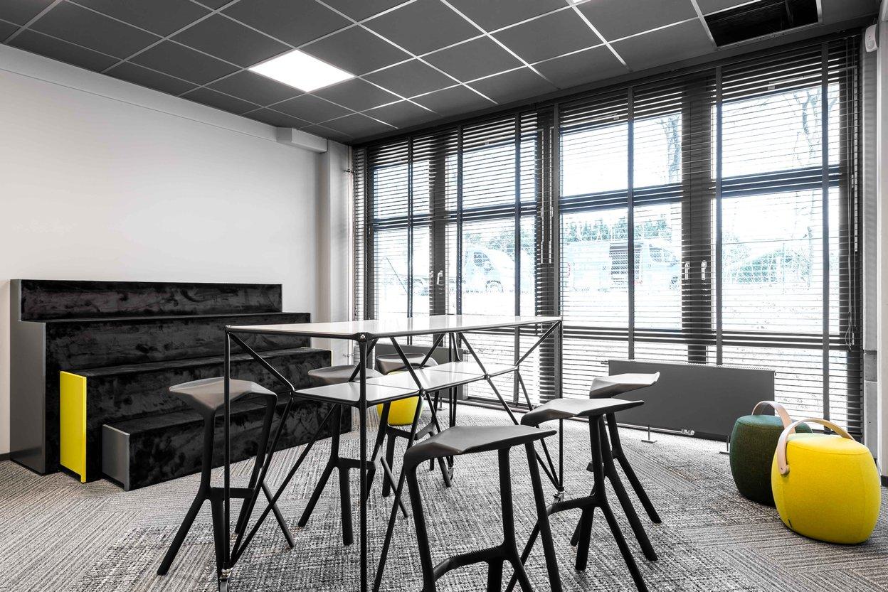 Meetingraum Hocker Carry On von Offecct