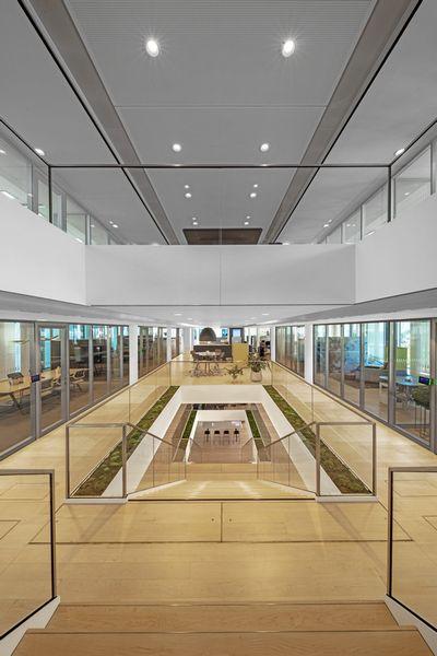 Steelcase LINC Tour Beispiel Innenaufnahme modernes Bürogebäude