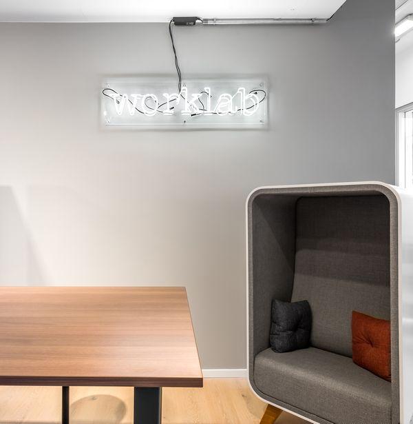 Worklab Sign bei Kirsch & Lütjohann