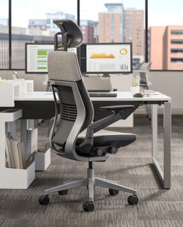 Steelcase Gesture Bürostuhl mit Kopfstütze